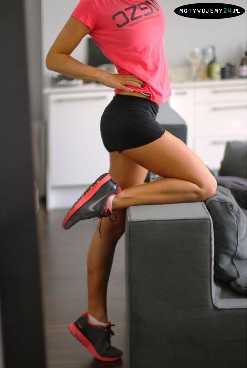 damska, sportowa stylizacja